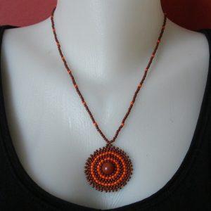 Barna - Narancssárga medálos nyaklánc