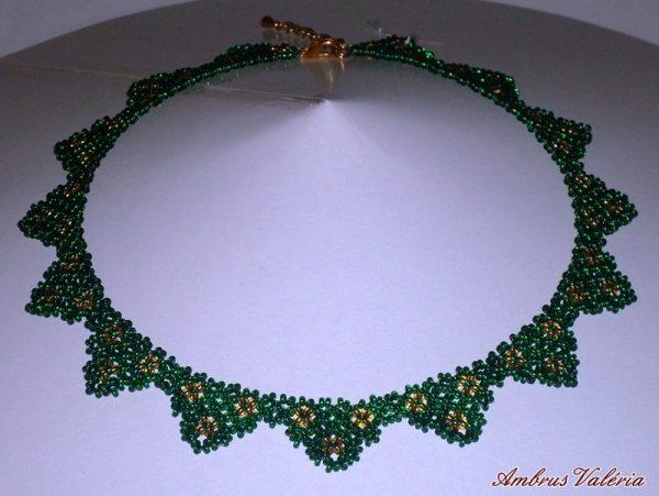 Zöld - Arany háromszöges nyaklánc