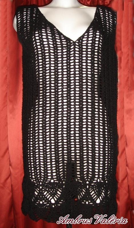 Fekete horgolt tunika
