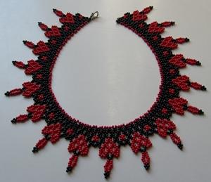 Gyöngyfűzött-nyaklánc
