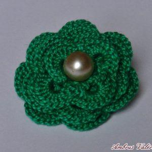 Zöld horgolt virág bross 2