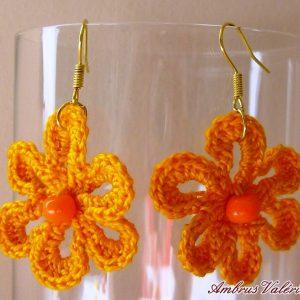 Narancssárga virág horgolt fülbevaló