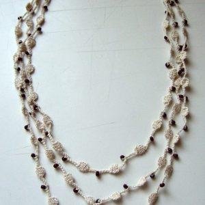 Bordó gyöngyös horgolt nyaklánc
