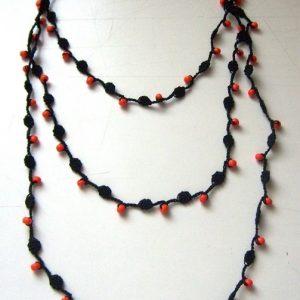 Narancssárga gyöngyös horgolt nyaklánc
