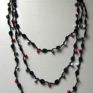 Piros - Fehér - Zöld gyöngyös horgolt nyaklánc
