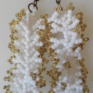 Fehér - Arany korallos fülbevaló
