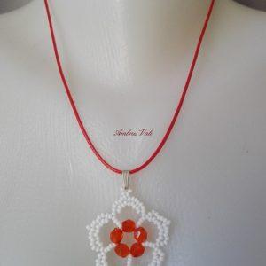 Fehér - Piros virág medál